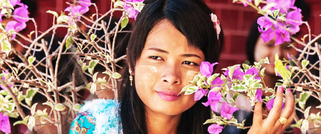 asia-thailand-woman-flower-tours