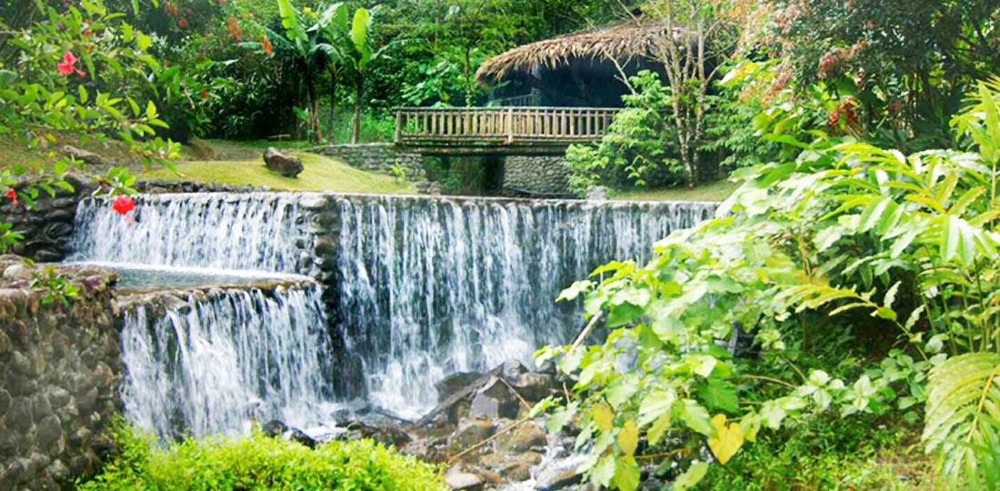 Travel-2020-central-america-costa-rice-pure-vida-Rancho-Margot-pools