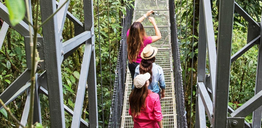 Travel-2020-central-america-costa-rice-pure-vida-hanging-bridge-mistico-park