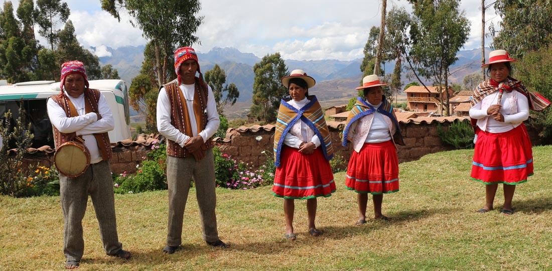 women-of-the-world-travel-2021-south-america-peru-yoga-cultural-classic-Andean-Community