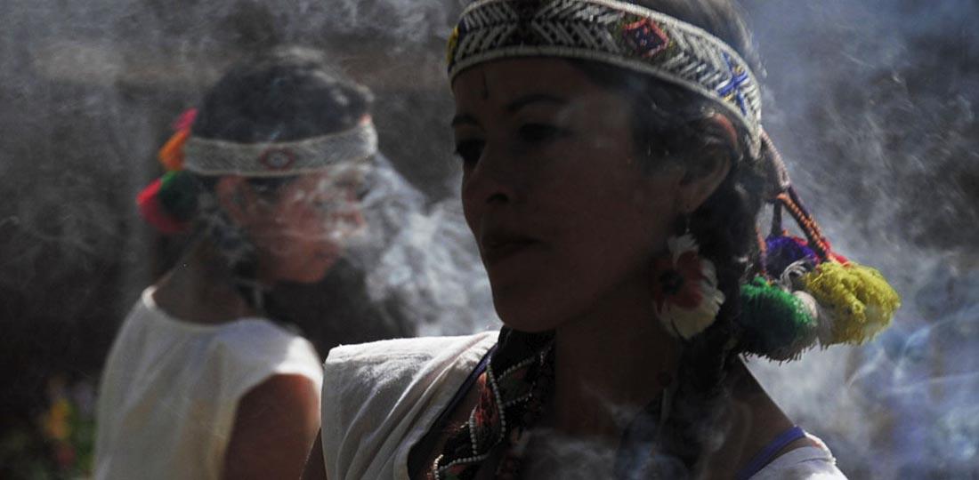 women-of-the-world-travel-2021-south-america-peru-yoga-cultural-classic-Hatun-Valley-2
