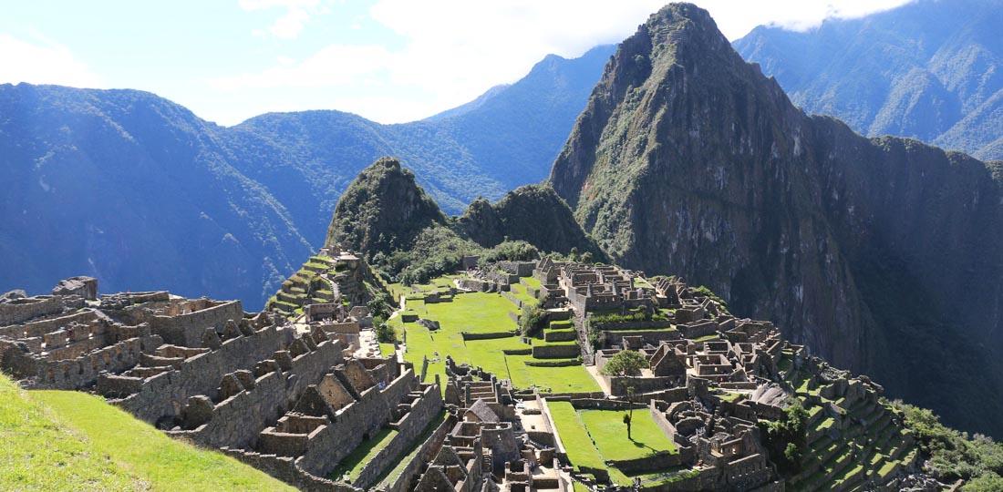 women-of-the-world-travel-2021-south-america-peru-yoga-cultural-classic-Machu-Picchu