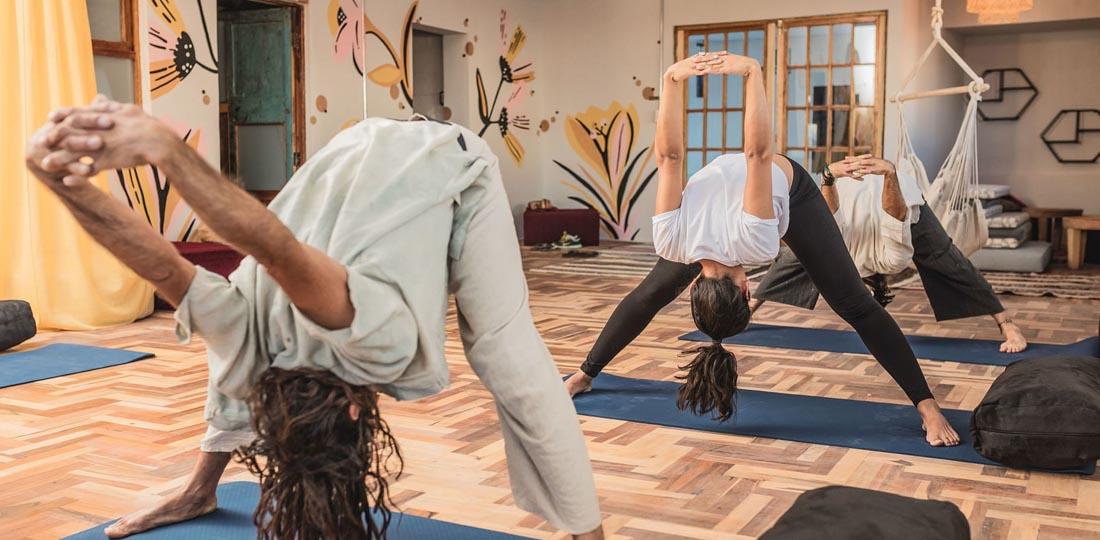 women-of-the-world-travel-2021-south-america-peru-yoga-cultural-classic-Selina-Cusco-Saphi-2